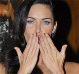 Megan Fox's clubbed thumbs!