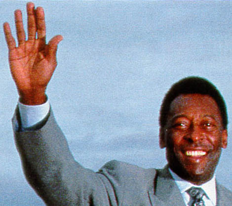 The hands of Pelé: low '2D:4D digit ratio'.
