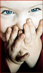 The hands of children: fingernails disorders.