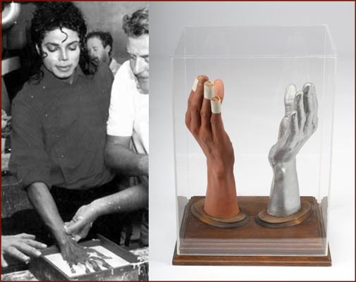Hands casts were made of Michael Jackson's right hand.