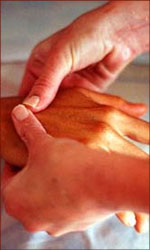 Surprize your love with a Valentine day hand massage.