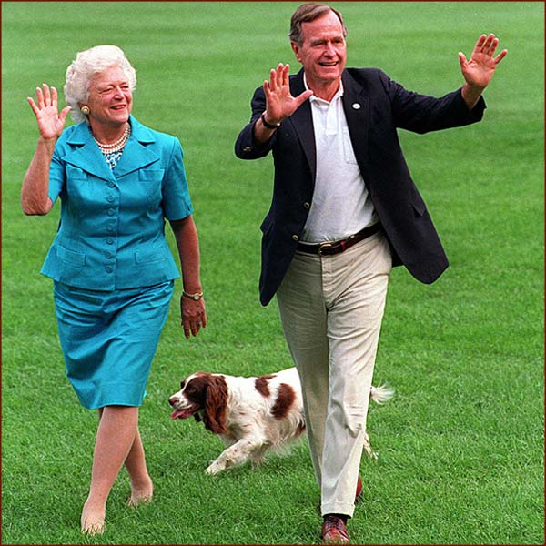 US president George H.W. Bush & Barbara Bush waving hands
