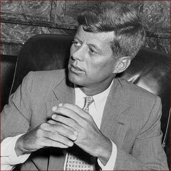 Former US president John F. Kennedy: folded hands.