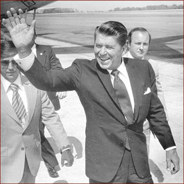 Former US president Ronald Reagan: right hand gesture photo