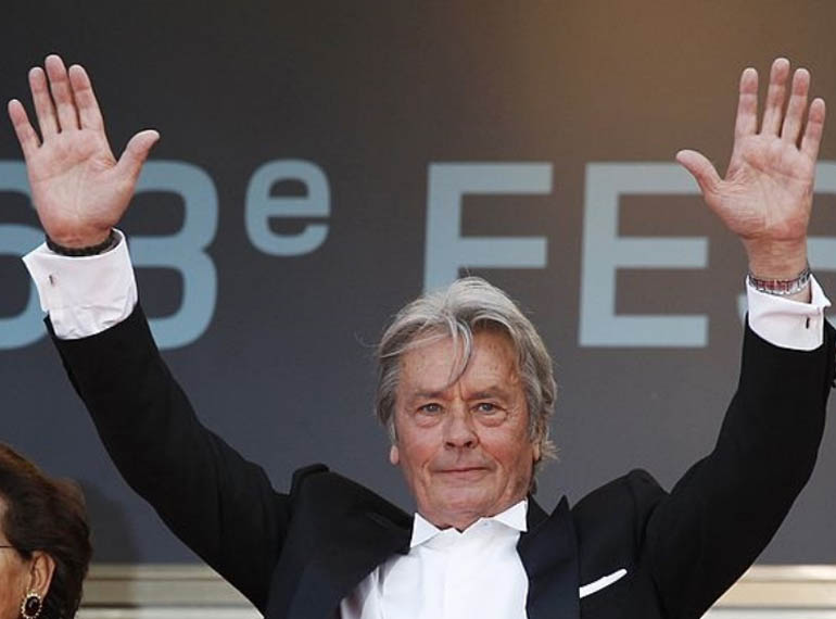 Alain Delon has a 'complete' simian line in his right hand.