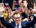 Benedict Cumberbatch has an incomplete simian line in his right hand.