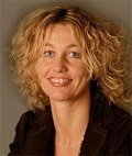 Monika Hauser, hand analyst