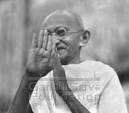 The hands of Mahatma Gandhi - photos.