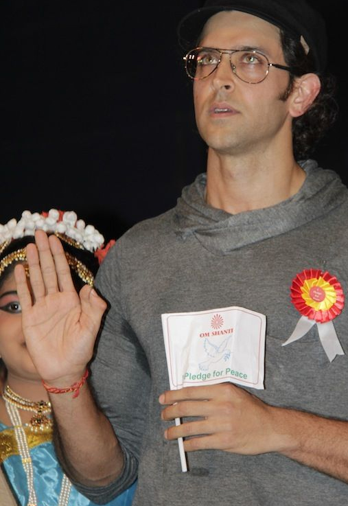 Hrithik Roshan with double thumb pledge for peace.
