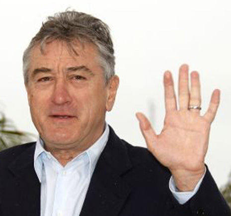 Robert De Niro has a 'complete' simian line in his left hand.