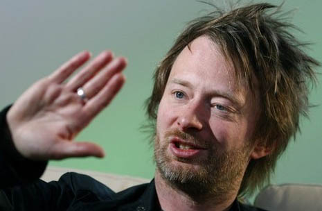 The right hand of Thom Yorke: Thom has a low 2D:4D digit ratio (= long ring finger, short pointer finger).
